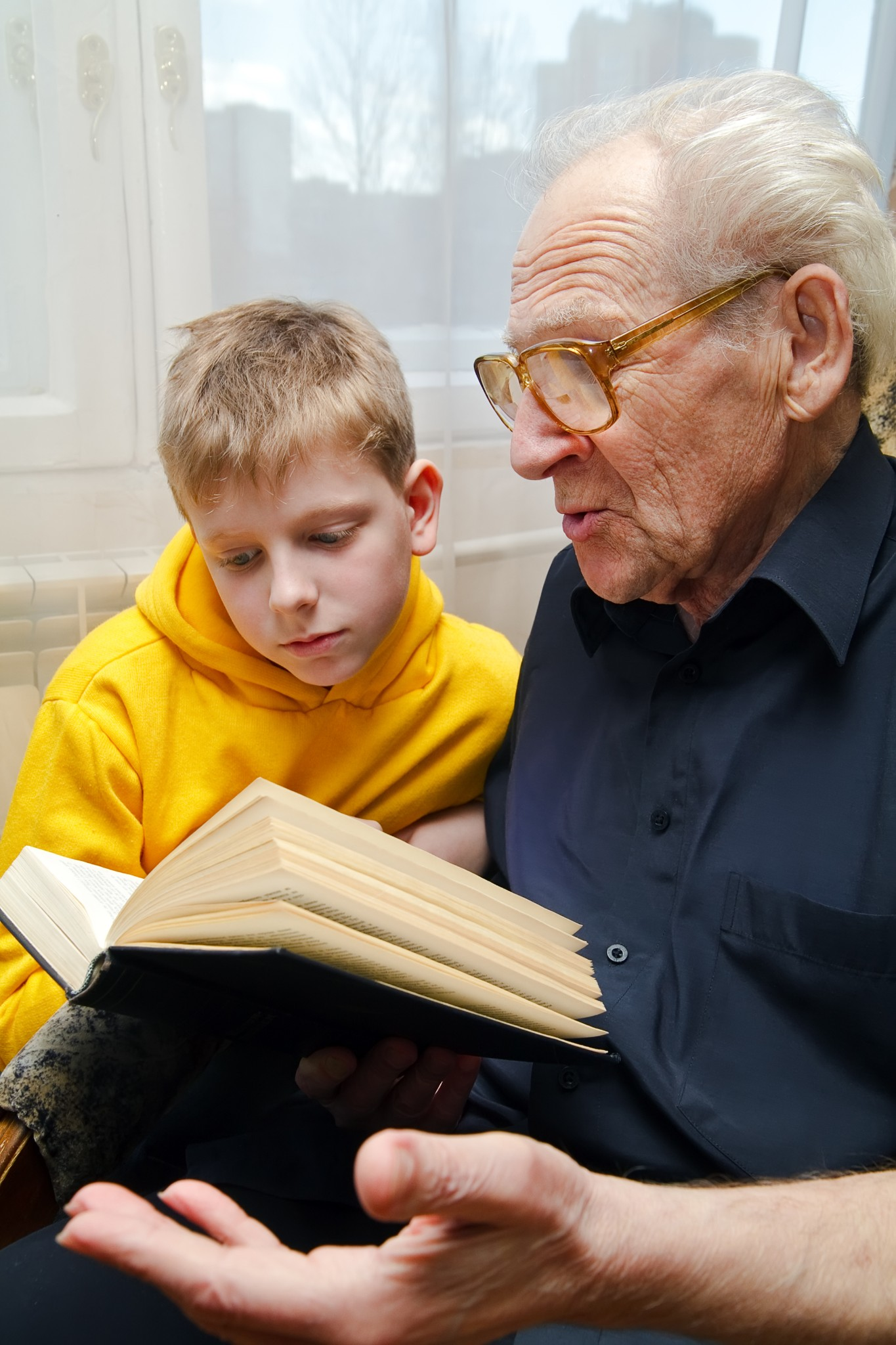 Books Help Children Prepare to Visit Grandparents With Alzheimer's
